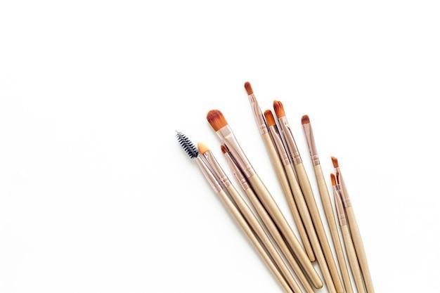 Make-upborstels op wit