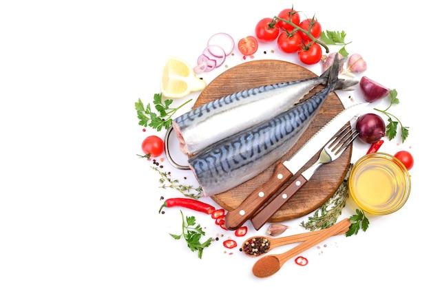 Makreelvissen met kruiden en groenten