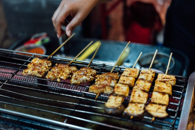 Mala is grilled meat (beef, pork, chickens or mushroom) met chili saus