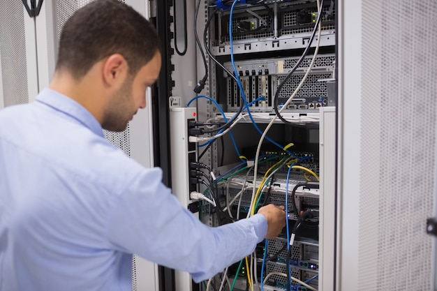 Man aanpassing van servers