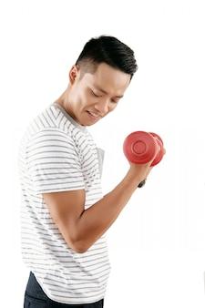 Man biceps uitwerken