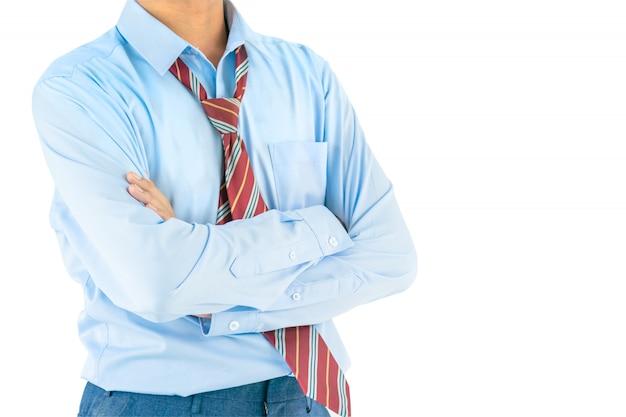 Man draag lange mouw shirt houden van de armen gekruist met uitknippad