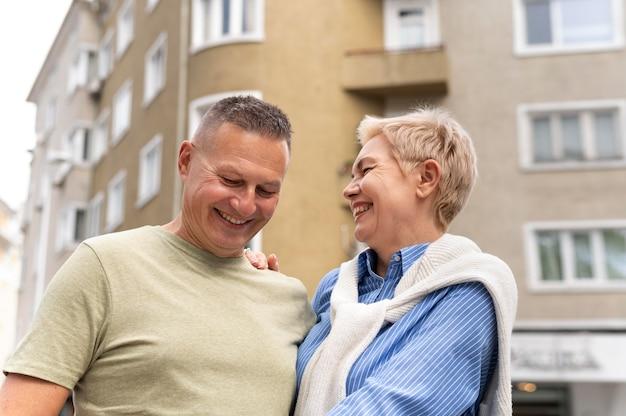 Man en vrouw hebben een leuke date