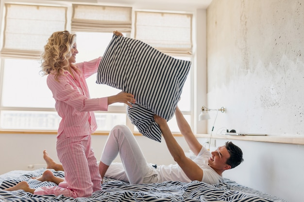 Man en vrouw thuis