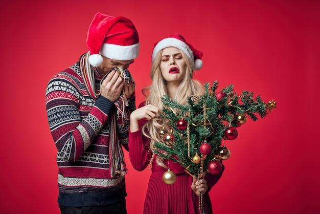 Man en vrouw vakantie kerst emoties romantiek decoratie