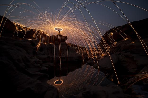 Man gooit de lichten, een spannende ervaring voor fotografie.