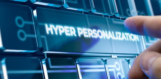 Man met behulp van een hyperpersonalisatiesysteem door op een knop op de futuristische interface te drukken