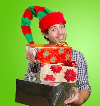 Man met cadeautjes voor kerstmis