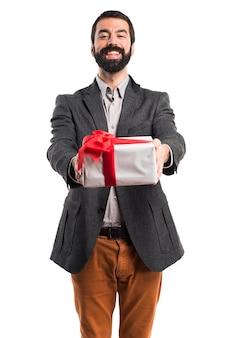 Man met een cadeau