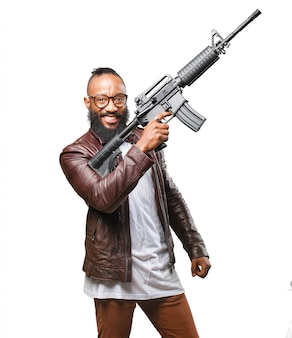 Man met een machinegeweer