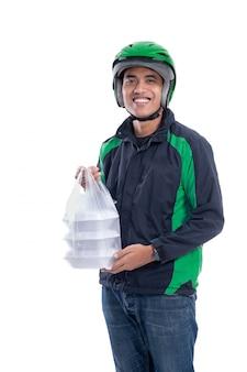Man met uniform jas en helm leveren van voedsel