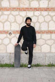 Man skateboarder levensstijl hipster concept
