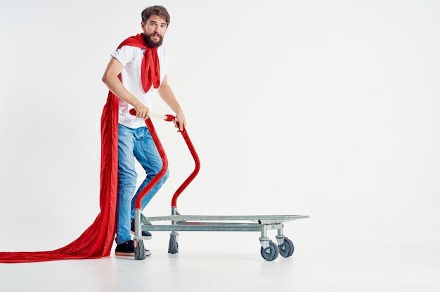 Man superheld verzending lichte achtergrond