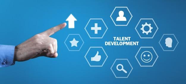 Man wat betreft pijl. talent ontwikkeling