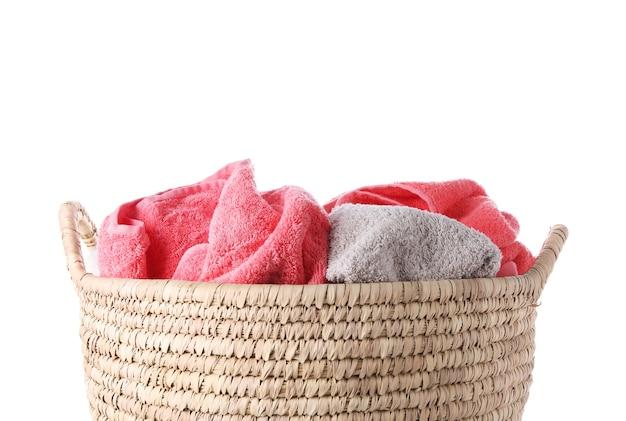 Mand met geïsoleerd wasgoed