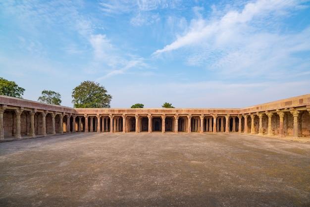 Mandu india, afghaanse ruïnes van islamkoninkrijk