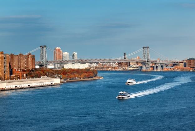 Manhattan bridge over de east river