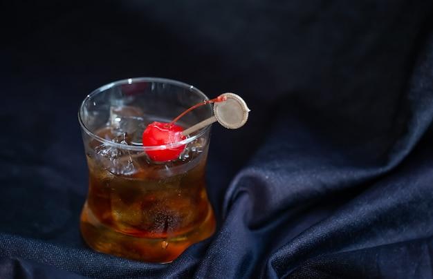 Manhattan cocktail met whisky