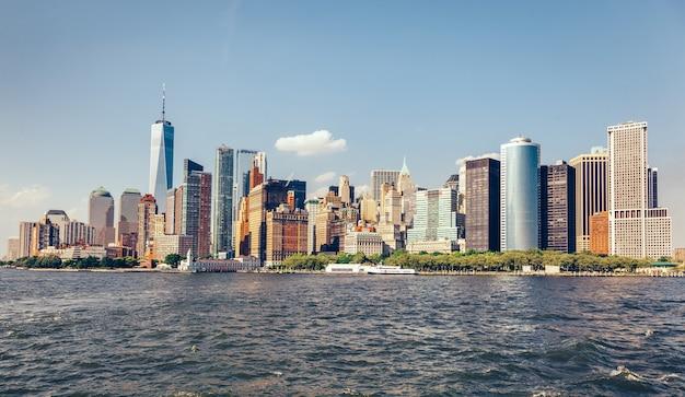 Manhattan panorama in new york city, de verenigde staten