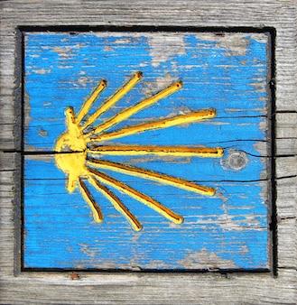 Manier van de houten pelgrimsverkeersteken van heilige james