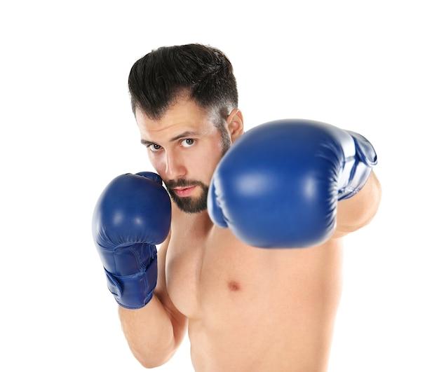 Mannelijke bokser op wit