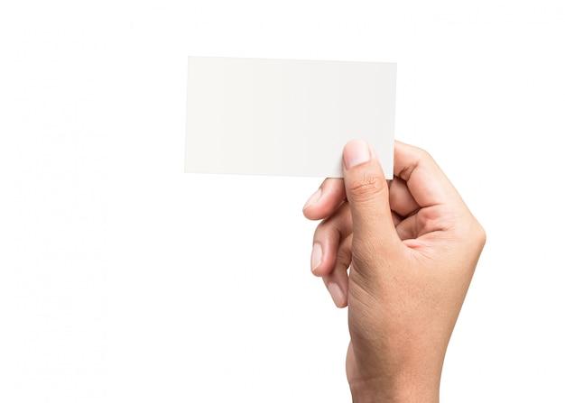 Mannelijke hand die een leeg adreskaartje houdt