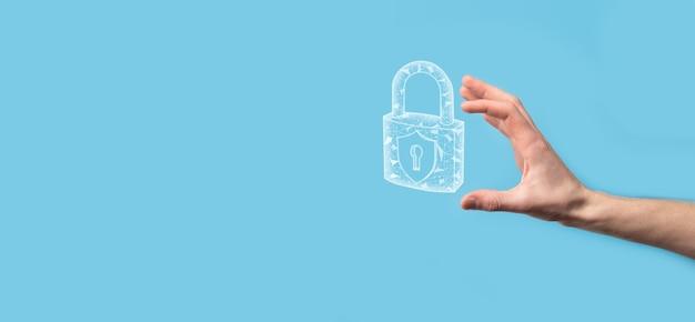Mannelijke hand met een hangslot slotpictogram. cyberbeveiligingsnetwerk. internet technologie netwerken. bescherming van persoonlijke gegevens op tablet. gegevensbescherming privacy concept. avg. eu.banner.