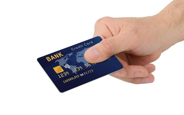 Mannenhand met blauwe creditcard met chip geïsoleerd op een witte achtergrond