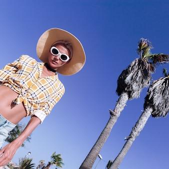 Mannequin landelijke stijl. zomervakantie outfit