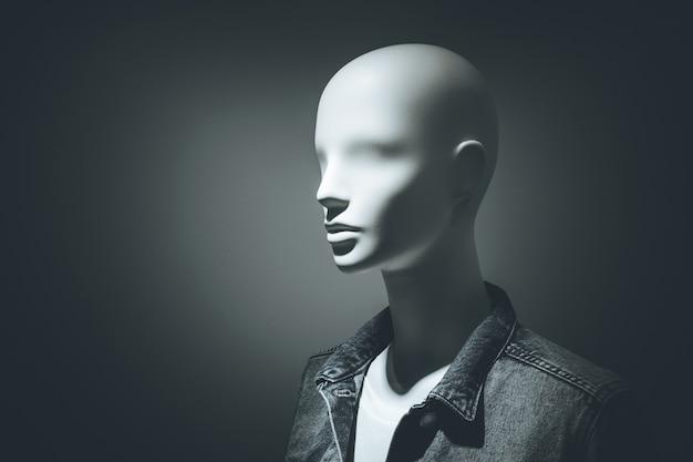 Mannequin mode kleding in donker licht