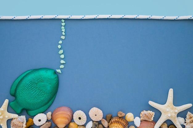 Mariene samenstelling met vis en zeeschelpen