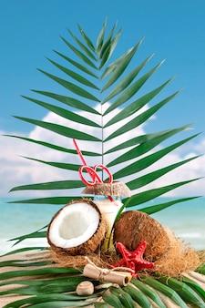 Mariene samenstelling van kokos en palmbladen