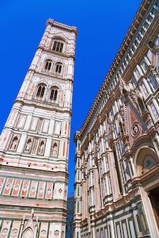 Marmeren muren tonament van de kathedraal van florence.