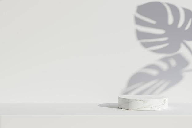 Marmeren podium cirkelvorm met bladschaduw op witte achtergrond.