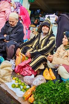 Marokko blauwe stad chefchaouene, markten straten blauw geverfd