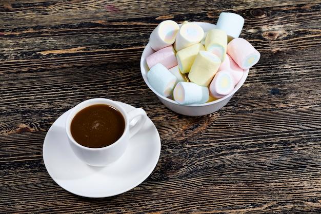 Marshmallow met koffie