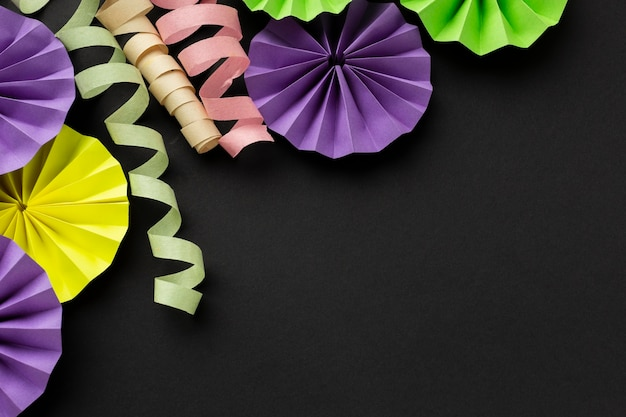 Maskerade papier linten decoraties kopie ruimte
