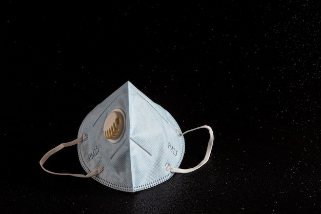 Maskerbescherming tegen covid19 en pm 2.5.