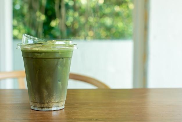 Matcha groene thee en hojicha in afhaalbeker