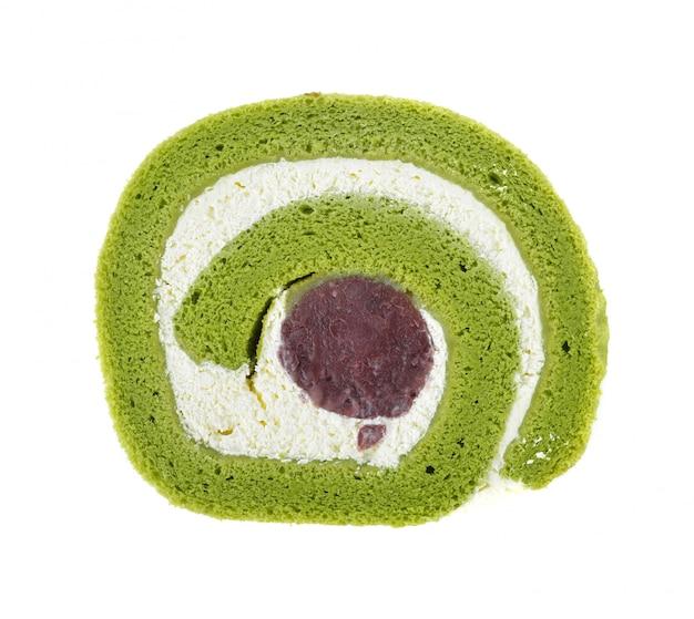 Matcha groene thee yam roll cake geïsoleerd op een witte achtergrond