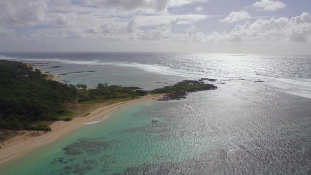Mauritius kust en indische oceaan luchtfoto