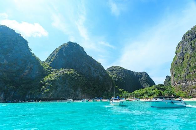 Maya bay een van de mooiste stranden van phuket provincie thailand.