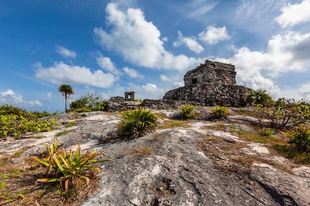 Mayan tulum ruïneert landschap. mexico quintana roo