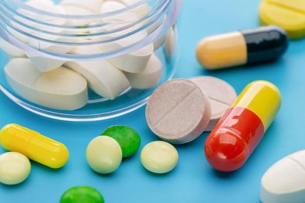 Medicijnrecept voor behandelingsmedicatie. apotheek thema.