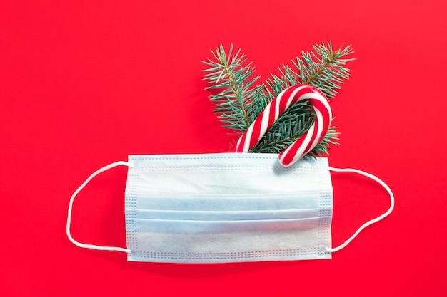 Medisch chirurgisch beschermend masker met kerstboomtak en zuurstok