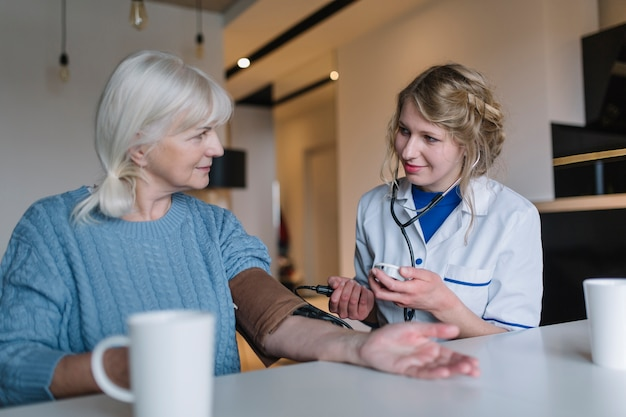 Medisch verpleeghuisconcept