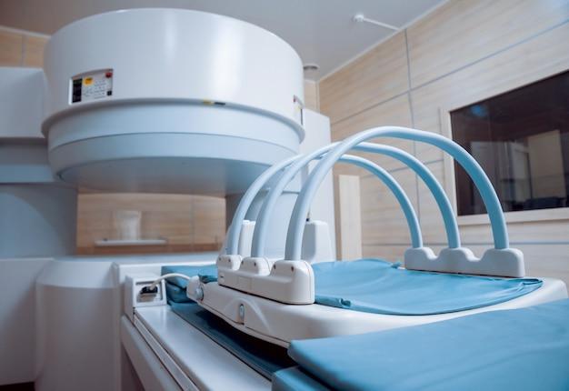 Medische apparatuur. mri-kamer in het ziekenhuis.