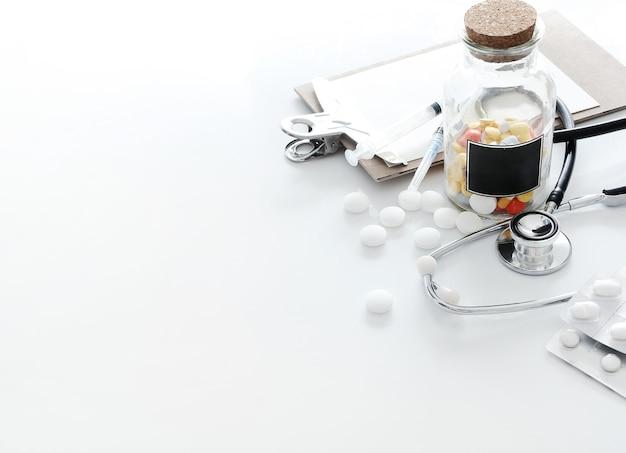 Medische samenstelling met pillen