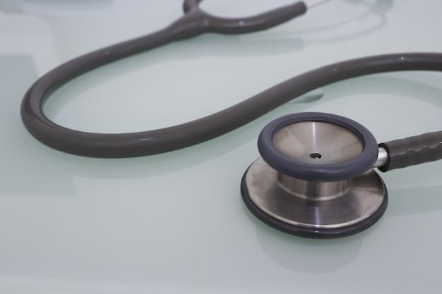 Medische stethoscoop voor onderzoek zorg fot gezondheid