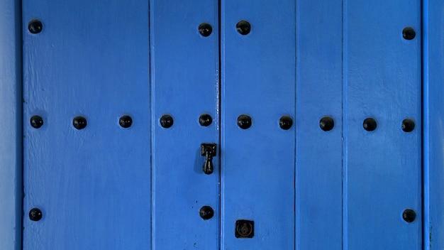 Mediterrane blauwe deur